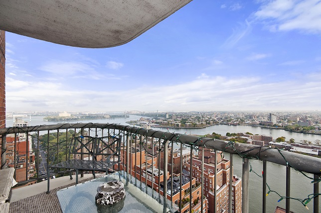 PRIVATE FLOOR CONDO 360 PANORAMIC VIEWS
