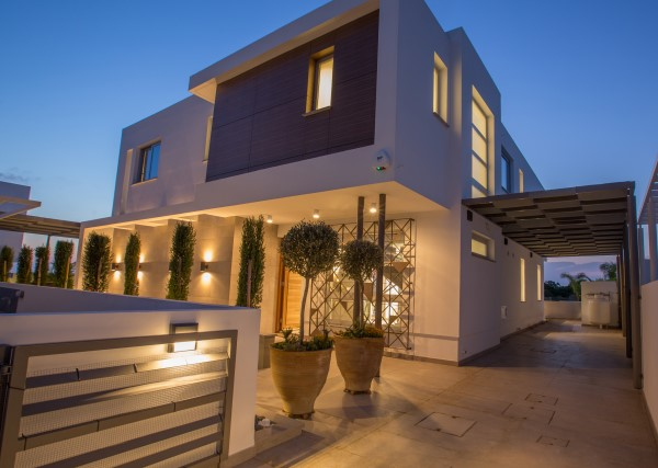 3 Bedroom Villa with Jaccuzi in Ayia Napa - E1